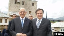 Mohammed El Baradei i Haris Silajdžić u Mostaru, Foto: Tina Jelin
