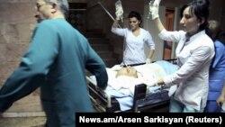 Паруйр Айрикян в медицинском центре Святого Григория Просветителя в Ереване, 1 февраля 2013 г.