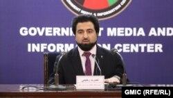 نصرت رحیمی سخنگوی وزارت داخله افغانستان حین کنفرانس خبری در کابل