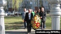 Кветкі да Чарнобыльскай каплічкі
