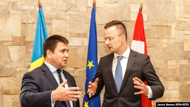 Глава МЗС Угорщини Петер Сіярто і тодішній глава МЗС України Павло Клімкін, 22 червня 2018 року
