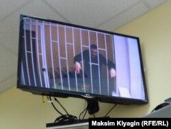 На слушаниях по УДО Олег Навальный присутствовал по видеосвязи