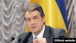 Виктор Ющенко предложил избрать нового президента и парламент