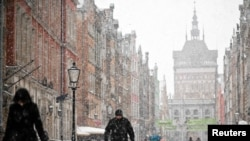 Heavy snowfall in the Old Town in Gdansk, Poland.