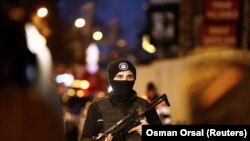 استنبول: پوليس د پېښې په ځای کې په پېره ولاړ دي