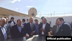 Armenia - Prime Minister Hovik Abrahamian (second from left) and U.S. Ambassador Richard Mills (R) visit the Amulsar gold deposit, 15Aug2015. (Photo courtesy of the U.S. Embassy in Yerevan).