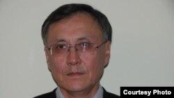 Казбек Бейсебаев, бывший дипломатический служащий.