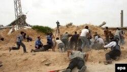 به گزارش خبرگزاری آسوشيتدپرس اين مدارک نشان می دهتد که ايران «به طور مستقيم درجنگ عليه اسرائيل» به شبه نظاميان منطقه کمک می کند. (عکس از AFP)