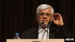 محمدرضا عارف به عنوان نفر اول تهران به مجلس دهم راه یافت و به عنوان رییس فراکسیون امید انتخاب شد.