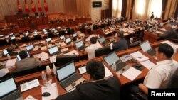Кыргыз парламенти. 20-июнь, 2013-жыл.