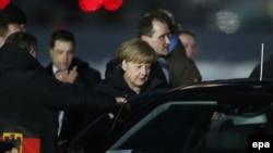 Angela Merkel Moskvağa keldi, Rusiye, 2015 senesi fevral 6 künü