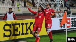 پرسپولیس در روزی که برای مسابقهاش بلیت فروشی نشده بود، در ورزشگاه مملو از تماشاگر آزادی توانست ۲-۱بنیادکار ازبکستان را شکست دهد
