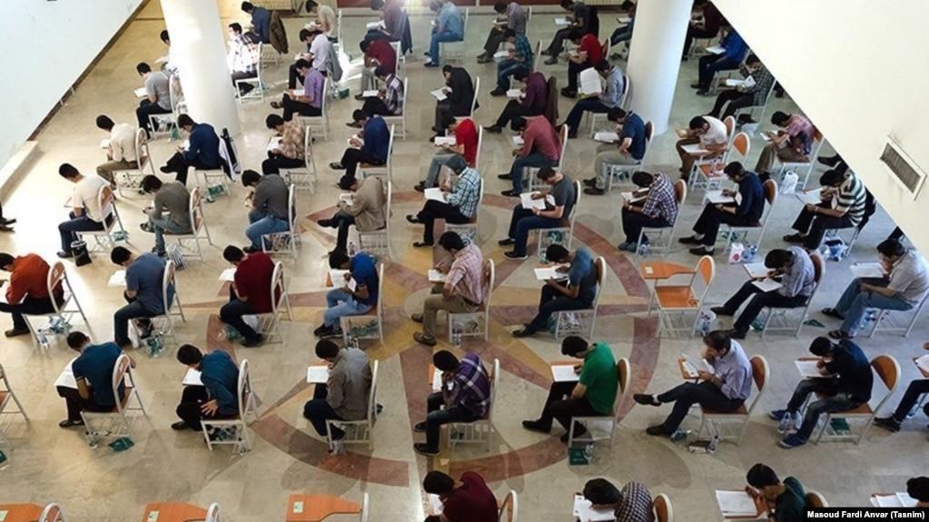 بلاتکلیفی چند هزار دانشجوی دانشگاه آزاد پس از «اشتباه» در پذیرش دانشجویان