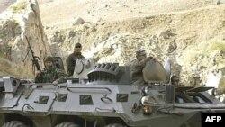 Patrullat e ushtarëve turq me tanke në provincën Hakari