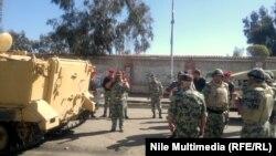 بورسعيد:قائد الجيش الميداني مع عدد من جنوده