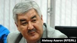 """Генеральный секретарь ОСДП """"Азат"""" Амиржан Косанов."""