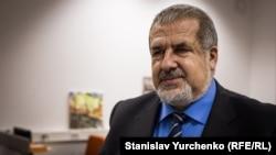 Qırımtatar Milliy Meclisiniñ reisi, Ukraina halq deputatı Refat Çubarov