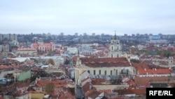 Теперь в старой части Вильнюса стало одним памятным местом больше.