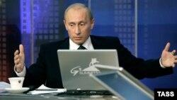 Ресей президенті Владимир Путин елде интернетті шектеуді ұсынады.