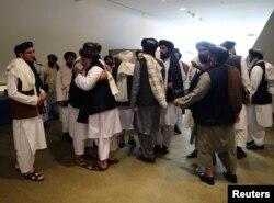 Anëtarët e delegacionit të talibanëve. Katar, 29 shkurt, 2020.