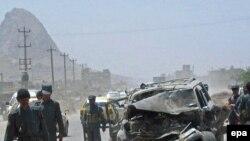 بمب های کنار جاده ای، در عراق و افغانستان قربانی می گیرند