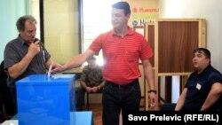 Izbori u Tivtu, 17. april, foto: Savo Prelević