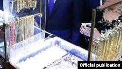 Երևանի «Ոսկու աշխարհ» տոնավաճառում, արխիվ