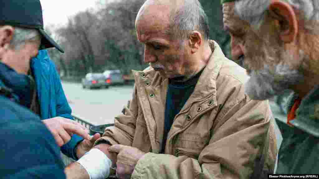 Asan Çapuhnı mahkeme 2018 senesi oktâbr ayında ev apsine avuştırğan edi. 66 yaşında faal SİZOda yatqanda mikroinsult keçirdi