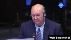 Džon Džordan svjedoči na suđenju Ratku Mladiću u Hagu, 28. kolovoz 2012.