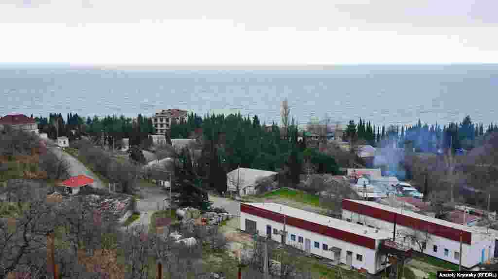 Вид на селище зі схилу однойменного урочища Сатера