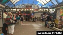 Архіўнае фота. На рынку ў Баранавічах.