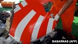 Обломки разбившегося самолета авиакомпании Lion Air.