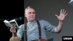 Український художник і письменник Лесь Подерв'янський