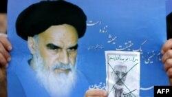 عکس آیتالله خمینی و میرحسین موسوی در تظاهرات حامیان دولت