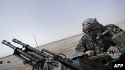 Pobunjenici protiv libijskog režima sa oružjem, Ajdabiya, 160 kilometara od Bengazija, 1. mart 2011