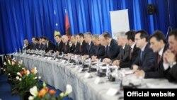 Foto nga arkivi / Mbledhja e përbashkët e zyrtarëve të Kosovës dhe Shqipërisë