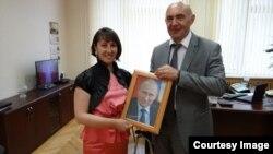 Преподаватель из Владикавказа Наталья Клюева попросила у Путина его портрет с автографом. И получила