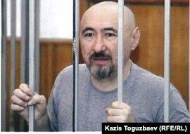 Поэт ипублицист Арон Атабек, осужден на18 лет тюрьмы после столкновений впоселке Шанырак. Алматы, октябрь 2007 года.