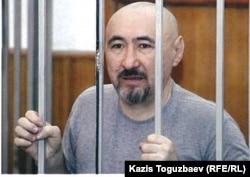 Арон Атабек, осужден на 18 лет тюрьмы после столкновений в поселке Шанырак. Алматы, октябрь 2007 года.