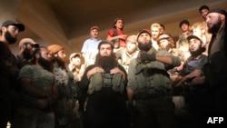 Вооруженные члены «Джебхат ан-Нусры»
