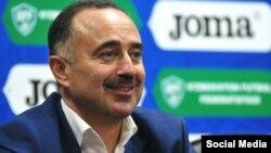 Главный тренер национальной футбольной сборной Самвел Бабаян.