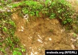 У ямах — сьвежараскапаны жвір