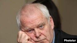 Եվրախորհրդի Մարդու իրավունքների հանձնակատար Թոմաս Համարբերգը մամուլի ասուլիսում: Երեւան, 21-ը հունվարի, 2011թ.