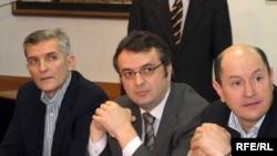 Goran Batričević, Goran Danilović, Predrag Popović na opozicionim pregovorima 11. februara 2009, Foto: Savo Prelević