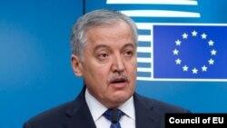 Tacikistanın xarici işlər naziri Sirojiddin Aslovun yeni soyadı Muhriddindir