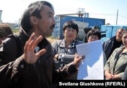 """Болатбек Блялов, директор организации """"Институт демократии и прав человека"""". Астана, 5 сентября 2012 года."""