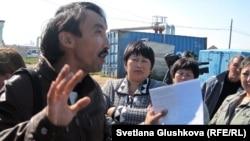 Гражданский активист Болатбек Блялов. Астана, 5 сентября 2012 года.