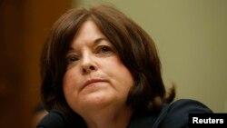 Директор Секретной службы США Джулия Пирсон на слушаниях в комитете палаты представителей в связи с проникновением в Белый дом, 30 сентября 2014 года