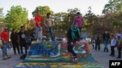 Mini rampă pentru skateboard în centrul capitalei afgane, The Sound Central Festival, organizat de Centul cultural francez din Kabul, 2 mai 2013