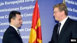 Архивска фотографија: Премиерот Никола Груевски и еврокомесарот за проширување Штефан Филе.